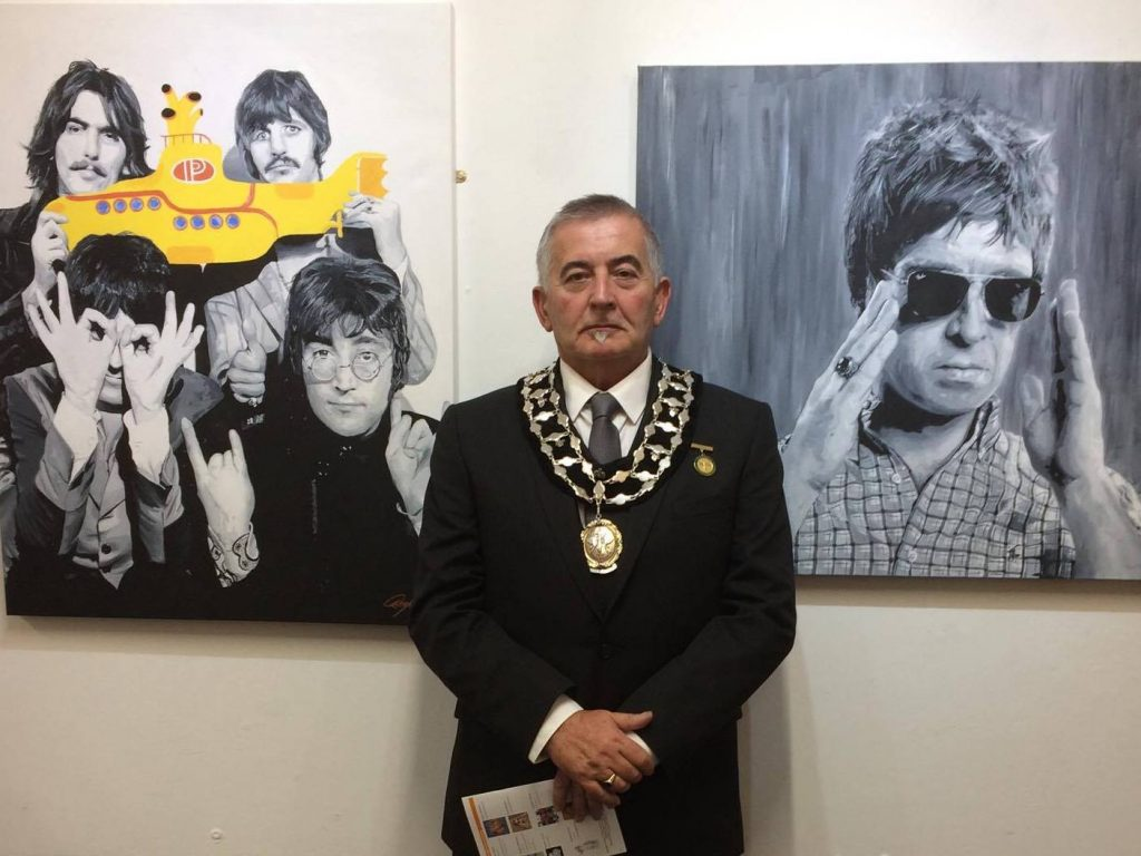 Photo of Mayor at Cheshire Open Studios event
