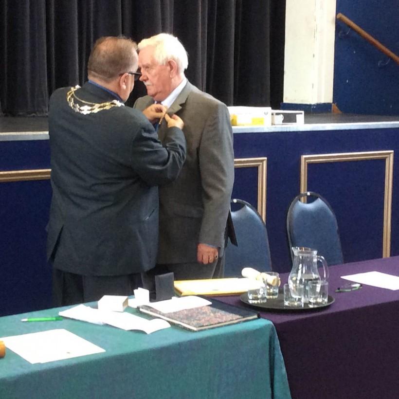 frank pennington freedom first mayor badge frodsham