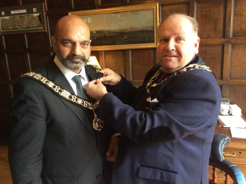 Lord Mayor of Nottingham in his Chambers with Fodsham Mayor