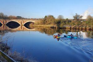 canoeists river weaver frodsham
