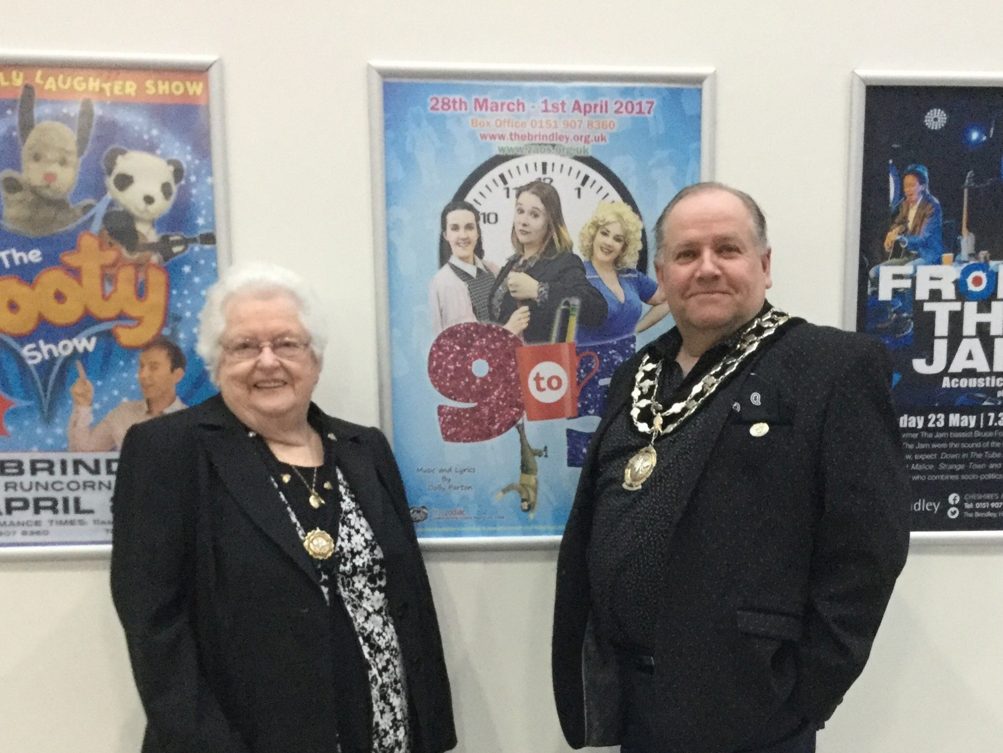 Phot of Mayor and Consort
